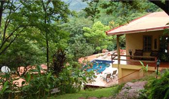 amatierra-pool-lobby